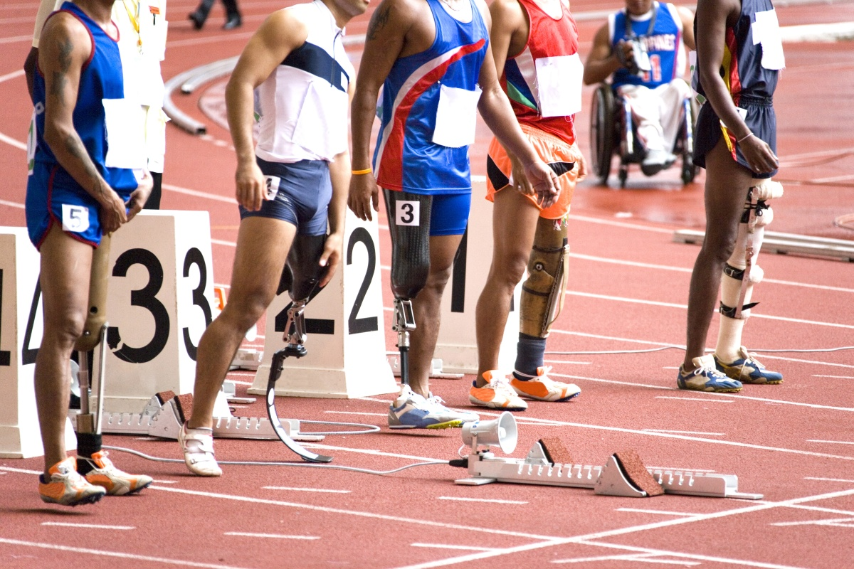 olympic runners with prothesis Prosthetics in the olympics have been said to not lead an edge when running this is because the so called force that the fake limbs deliver don't specifically exist.